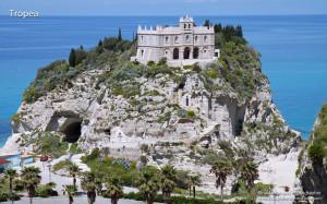 Santuario di Santa Maria dell'isola.