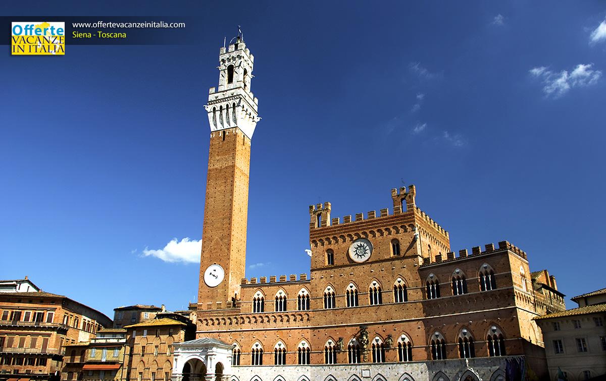 Siena, la Piazza del Campo, Palazzo Pubblico, Torre del Mangia.