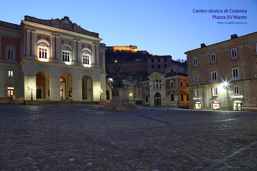 Cosenza Città d'Arte, centro storico, piazza prefettura.