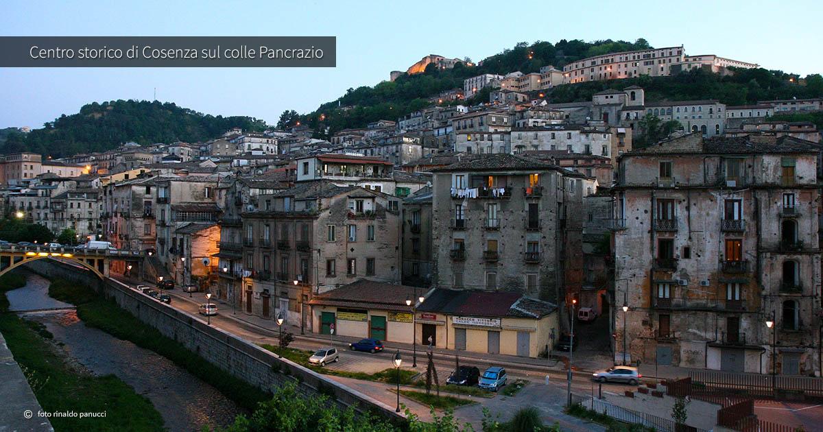 Città italiane da visitare in due giorni. Centro storico di Cosenza.
