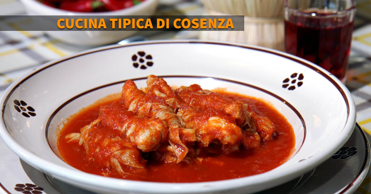 Cucina tipica di Cosenza, mazzacorde al sugo.