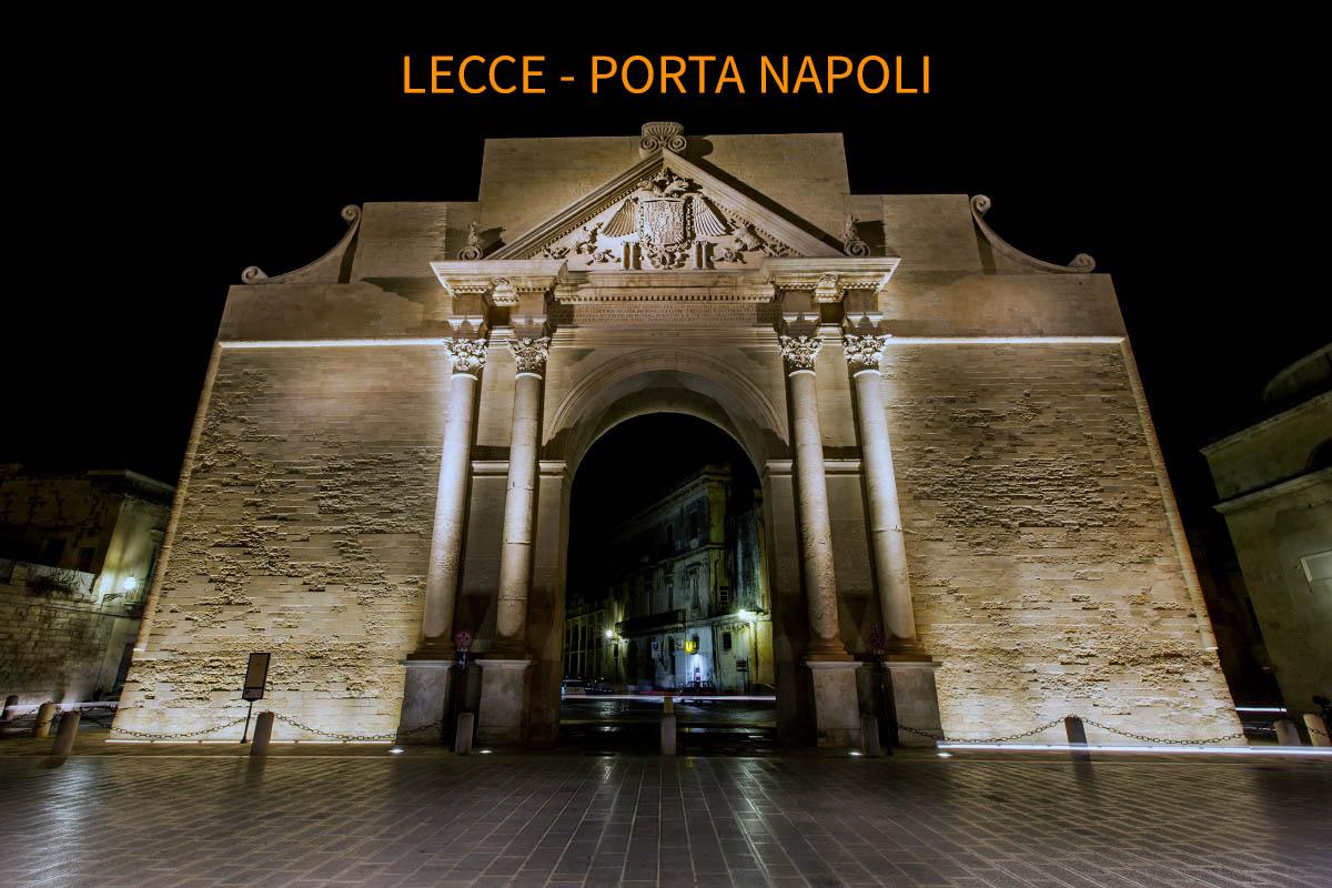 Porta Napoli, centro storico di Lecce.