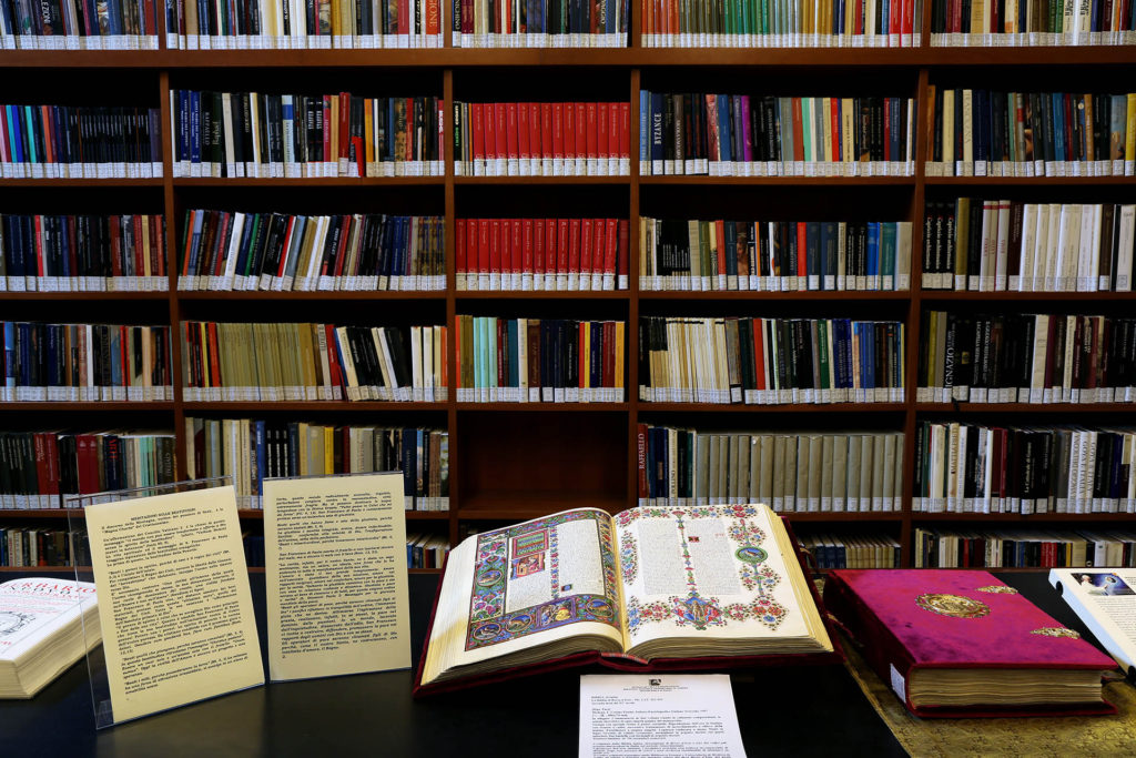 Biblioteca Nazionale di Cosenza, salone interno.