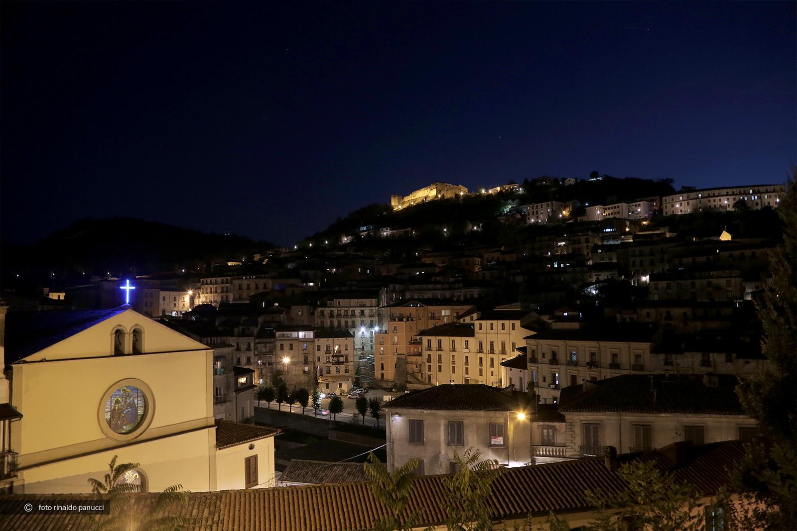 Cosenza, centro storico di notte.