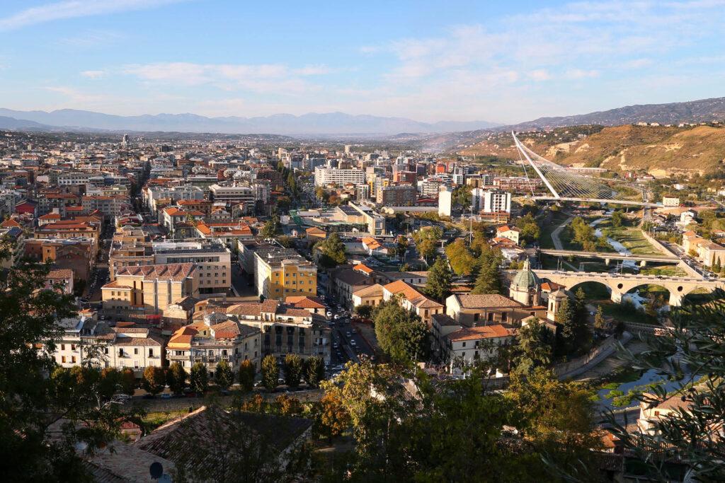 Cosenza, la città dei Bruzi, vista dall'alto.