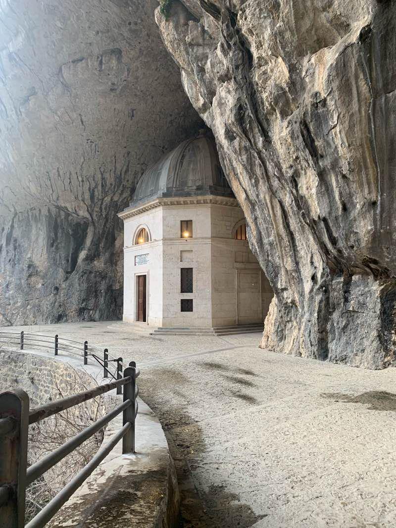 Tempio del Valadier - Uno dei bellissimi luoghi poco conosciuti da visitare in italia
