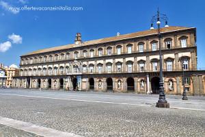 Vacanze a Napoli, il palazzo reale.